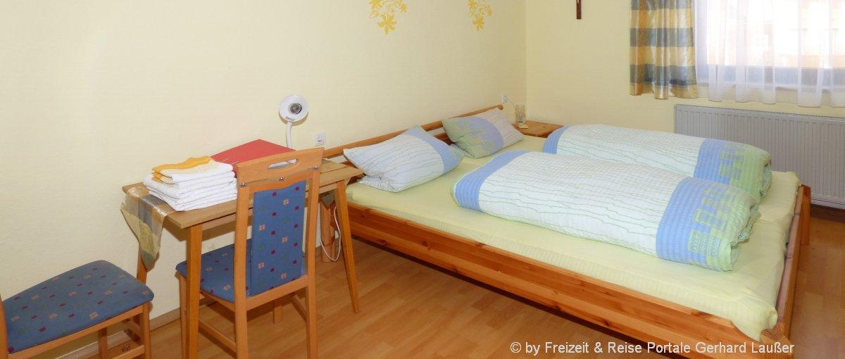 pension-oberpfalz-unterkunft-guenstig-zimmer-schlafen-doppelbett