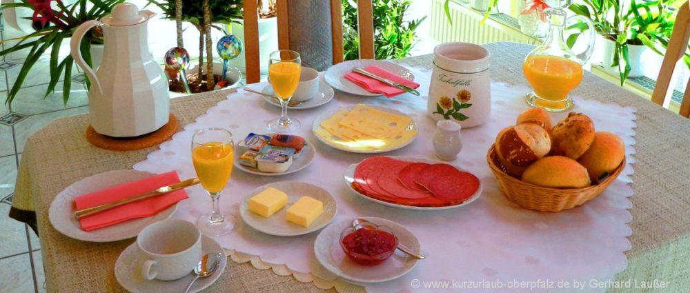 zimmer-frühstück-oberpfalz-halbpension-gasthof-übernachtung